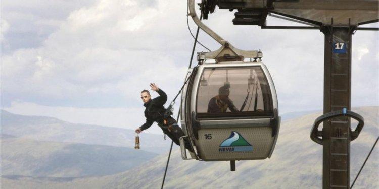 In gondola - BBC News