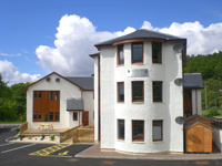 mouse click to View Canalside Apartments accommodation details