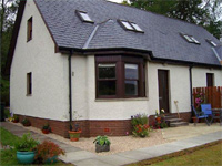 mouse click to look at Laragain Cottage accommodation details